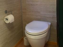 House Truck Toilet